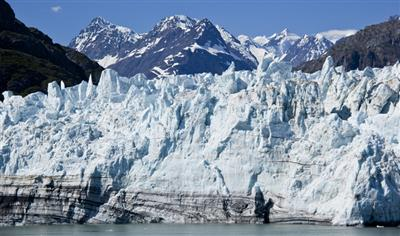 A picture of the Glacier Bay, the largest remaining glacier in Alaska, taken from Carnival Miracle.