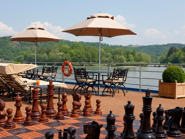 River Beatrice chess
