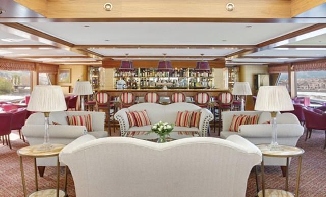 River Royale renoir lounge