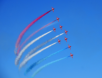RAF Red Arrows Salute Cunard for 175th Anniversary