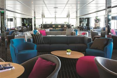 Emerald Star horizon lounge