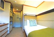 SINGLE INSIDE CABIN