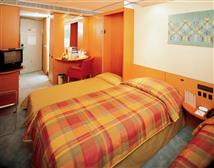2 or 3 Beds Inside