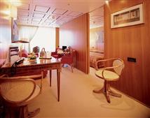 Suite w/Balcony