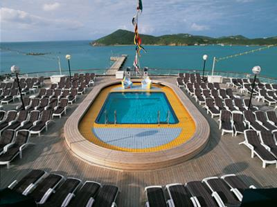 The Sea View bar and pool at the rear of the ship