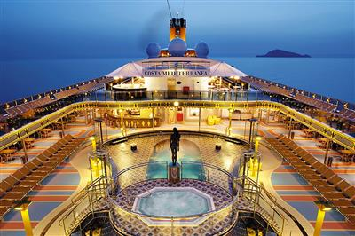 Bird's eye view on Costa Mediterranea's deck