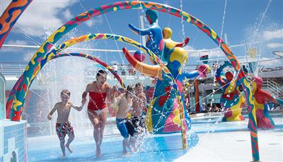 Kids playing in the H2O Zone, an area dedicated to water games on the Allure of the Seas .