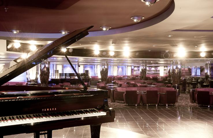 MSC Magnifica Piano Lounge