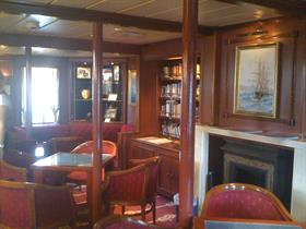 A lounge room on the Star Clipper