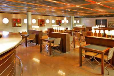 A self-service restaurant on Costa neoClassica