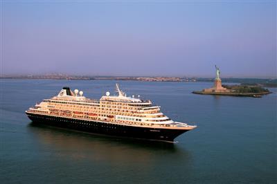 MS Prinsendam, starboard view
