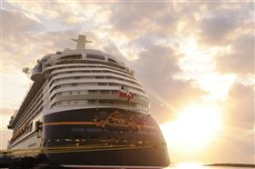 Disney Dream in the sun-rays