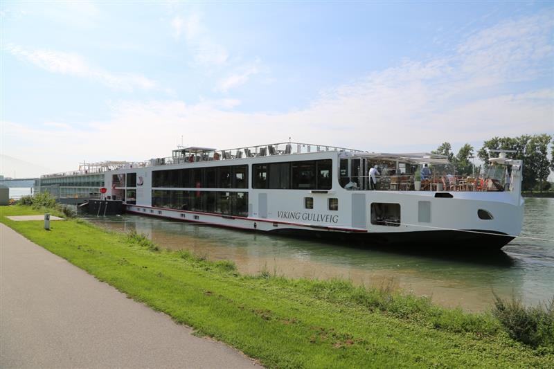 Viking Longship Gullveig