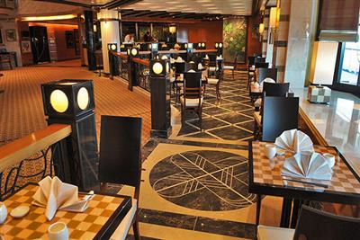 The Marquis dining room on Sun Princess' Plaza Deck