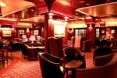 The Crooners' Bar, cocktails and  live music on the Sun Princess