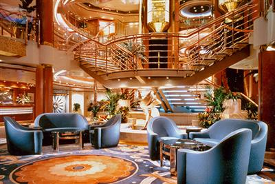 The lounge annexed to the Sun Princess' Atrium