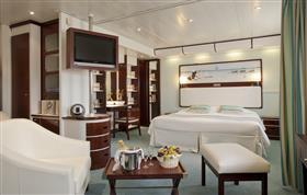 An elegant suite on Club Med2