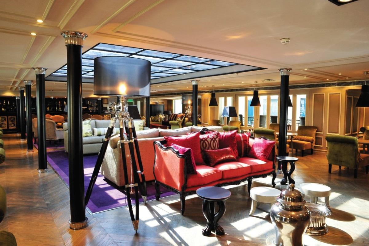 MS Mayfair Bel Air lounge