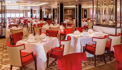 The fine décor of the Queens Grill Restaurant on the Queen Mary 2
