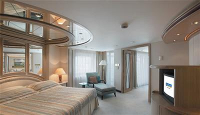 The Owner's Suite on the Vision of the Seas