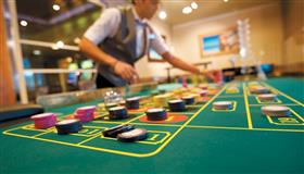 Chips on the green roulette table