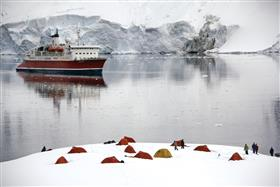 G-Expedition sailing among the ices
