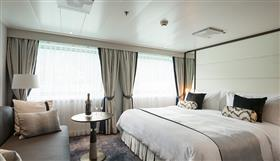 Yacht Suite (category S1) on Crystal Esprit