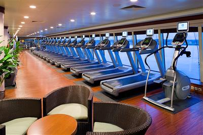 The gym on Norwegian Pearl