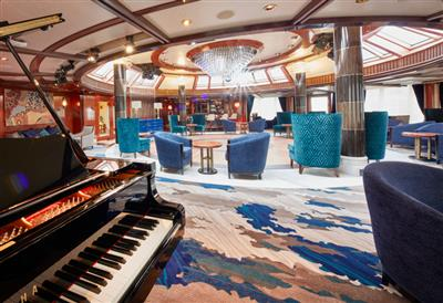 The Commodore Club, on Queen  Victoria's deck 10