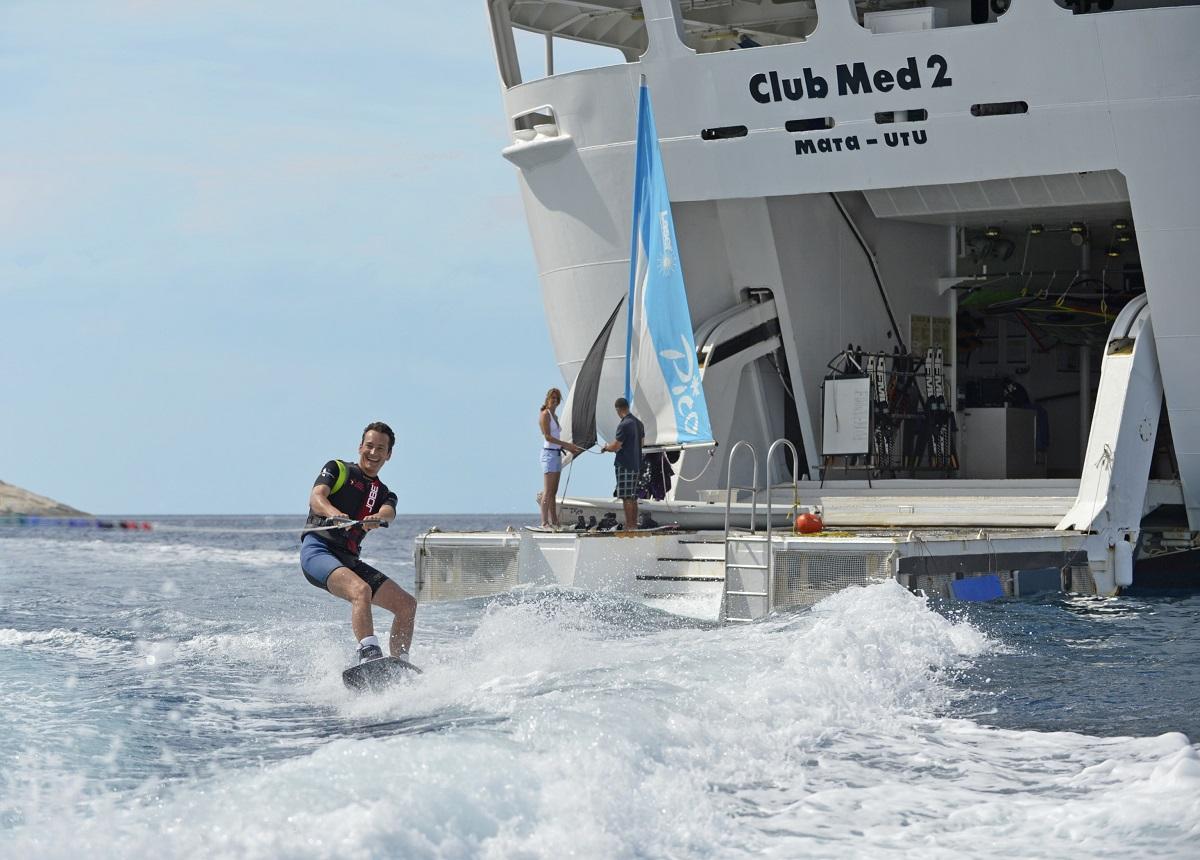Club Med 2 Images